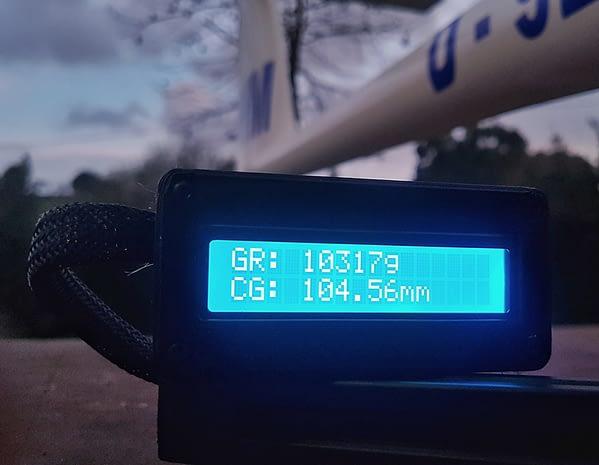 portachiavi cg gigante para grandes aviones con avión detalle medidor centro de gravedad
